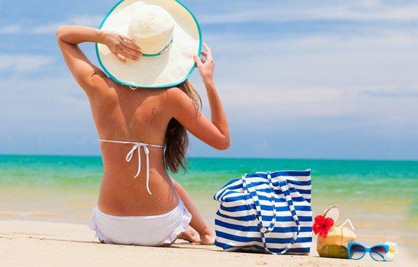 ТОП-7: пляжных аксессуаров в новом сезоне 2021